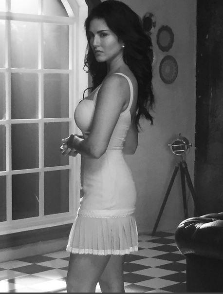 sunny-leone-4-photo-for-inuth