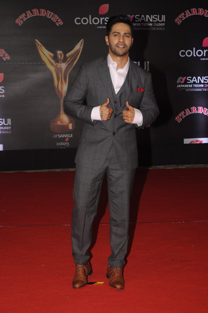 varun-dhawan-at-sansui-colors-stardust-awards