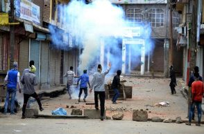 Fresh protest in Kashmir