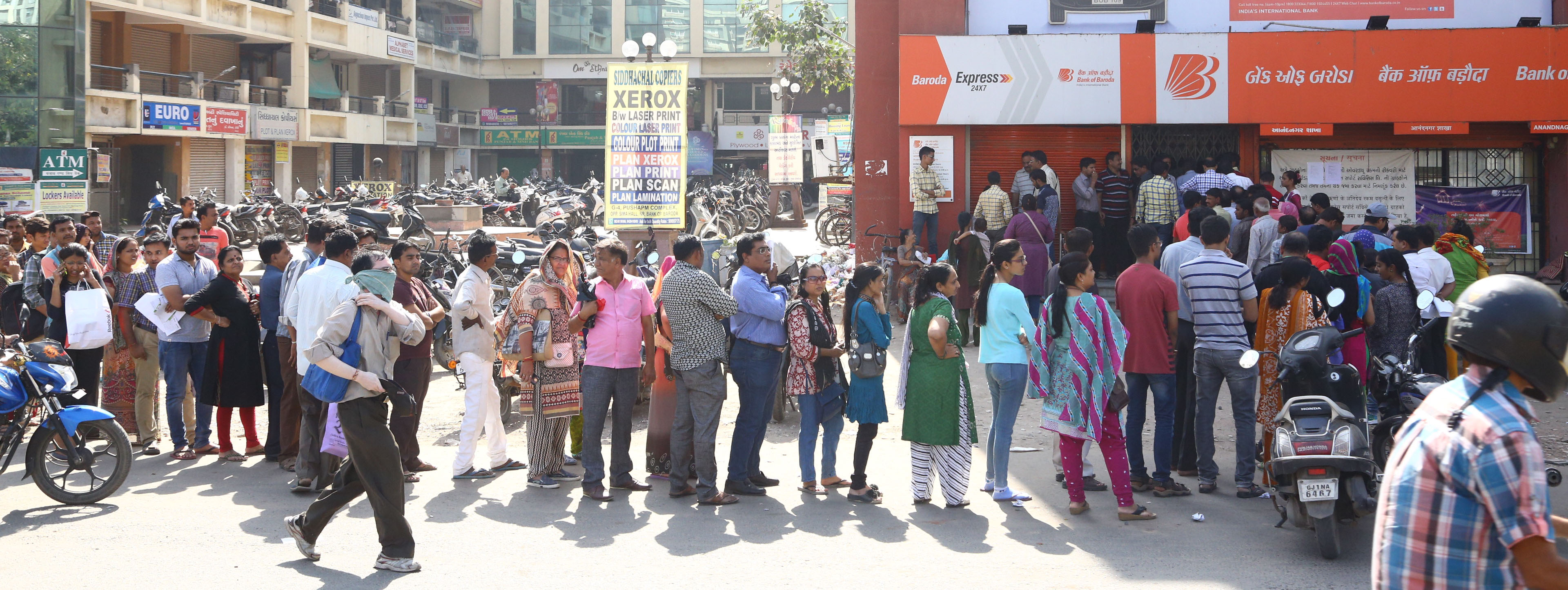 Large queue continue to adorn outside the RBI to exchange money a week after the demonetisation was announced in the capital New Delhi on Thursday. Express Photo by Amit Mehra.