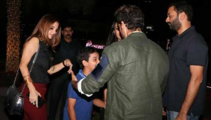 Hrithik Roshan, Sussanne Khan on dinner date with kids|Photo for InUth.com