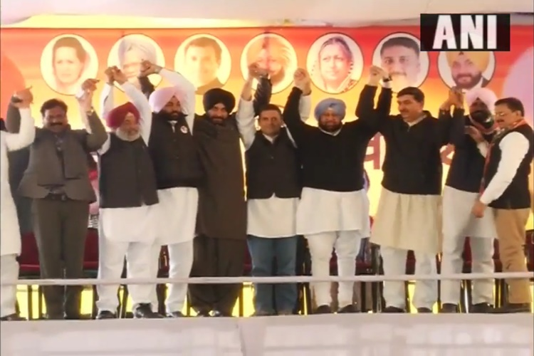 'What Kind of Captain Is He?' Amit Shah's Jibe at Amarinder Singh