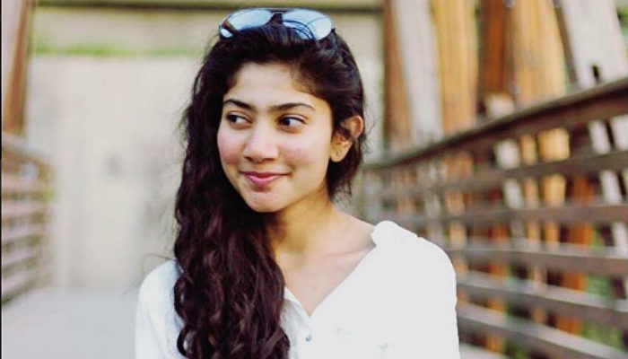 After Mani Ratnam's Kaatru Veliyidai, Sai Pallavi walks out of Chiyaan Vikram film