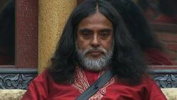 Bigg Boss 10: Salman is right, Swami Om is making inmates dance to histunes
