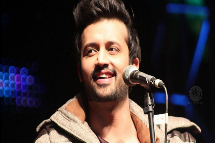 Watch: Atif Aslam gives us another reason to love him, halts concert to save girl from eve-teasers