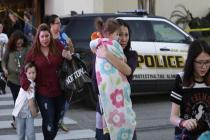 Two robbers open fire at San Antonio Mall; 1 dead, 5 injured