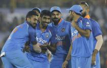 India beat England by 15 runs in Cuttack to clinch 3-match series