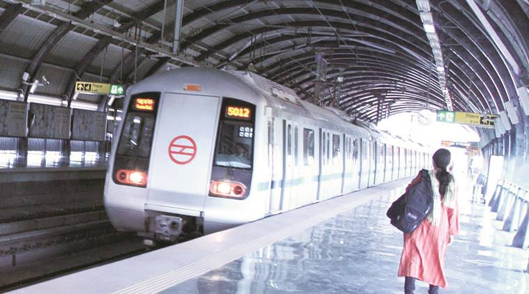 For self-defence in Delhi Metro, women can now carry knives