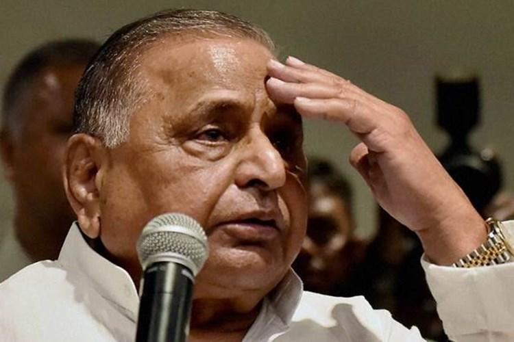 Yogi Adityanath govt raids Mulayam Singh Yadav's residence! SP patron will now have to pay a hefty fine