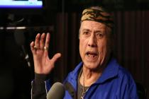 The Rock announces WWE hall of famer Jimmy Snuka's death.