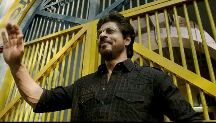 Shah Rukh Khan in Raees (Courtesy: Twitter/@SRKulesForever)