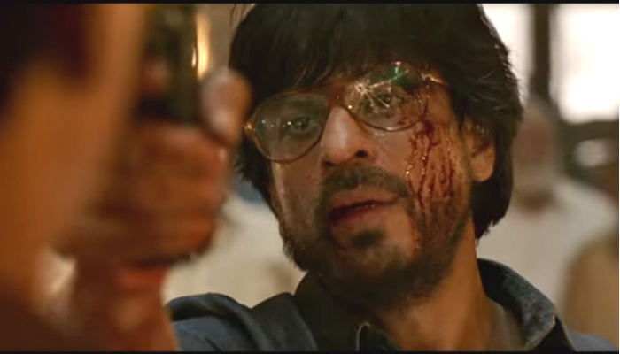 Shah Rukh Khan in Raees (Courtesy: YouTube/Red Chilies Entertainment)