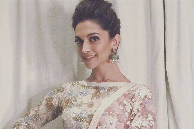 http://images.inuth.com/2017/02/Deepika-Padukone-instagram-image-ten-for-inuth.jpg