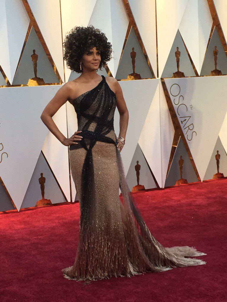 halle-berry-oscars-2017-image-for-inuth
