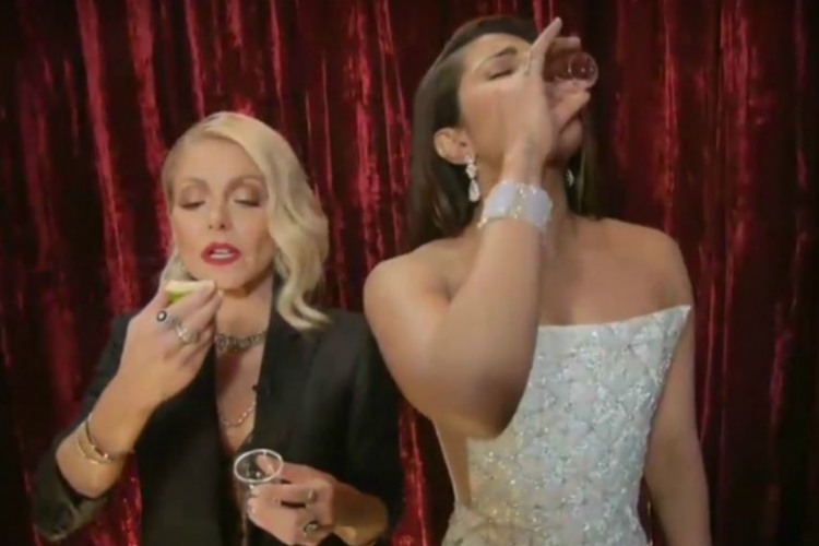 Priyanka Chopra Jennifer Aniston Oscars 2017 Backstage Tequila