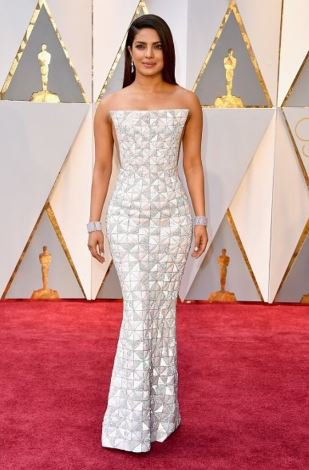priyanka-chopra-oscars-2017-image-for-inuth