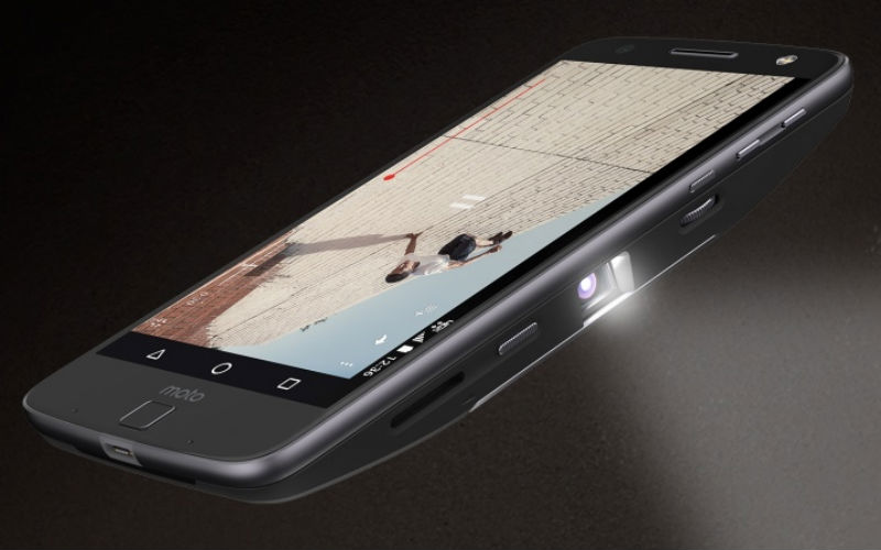 smartphone-projector-photo-for-inuth