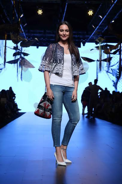 sonakshi-sinha-photo-for-inuth