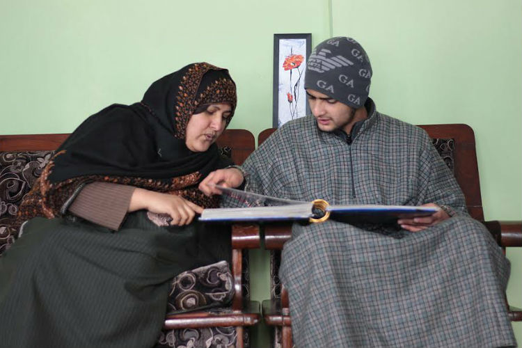 Afzal Guru's wife and his son (Photo: Faisal Khan)