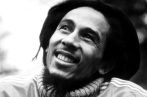 bob-marley-lion-black-and-white-wallpaper-2