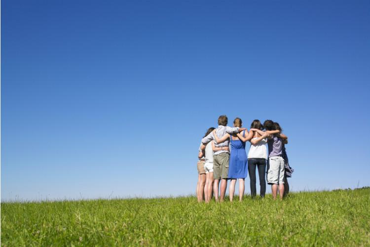 group-hug-inuth