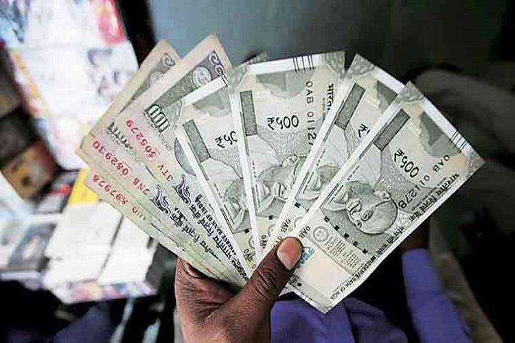 No limit on cash withdrawal from savings bank accounts starting March 13:RBI