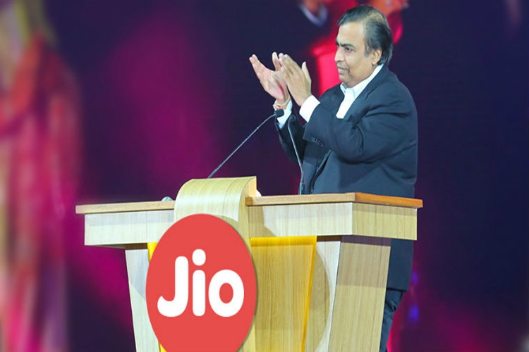 Reliance Jio may launch Apple MacBook like laptops with 4G SIM slot:Report