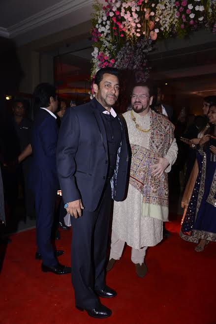 Salman Khan at Neil Nitin Mukesh's reception
