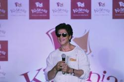 Shah Rukh Khan tweets about 'Drink Gently', lands with a role in return