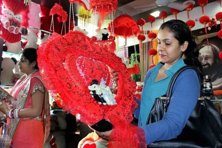 The country that banned Valentine's Day by law