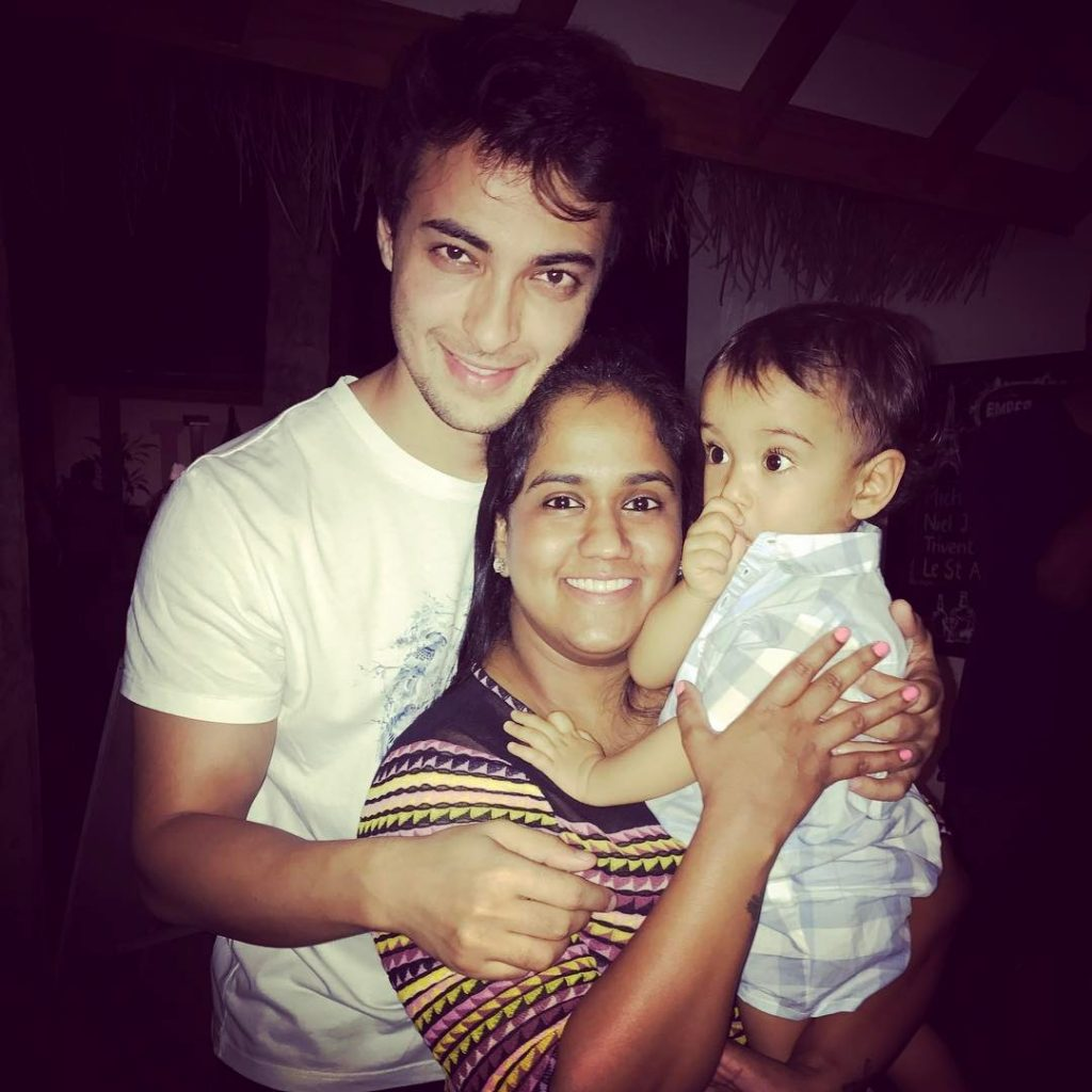 In Pics: Superstar's Family Enjoying In Maldives
