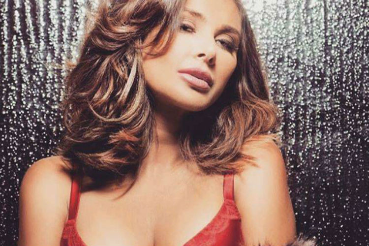 Photos: Lisa Ray is hot beyond words in this sizzlingphotoshoot