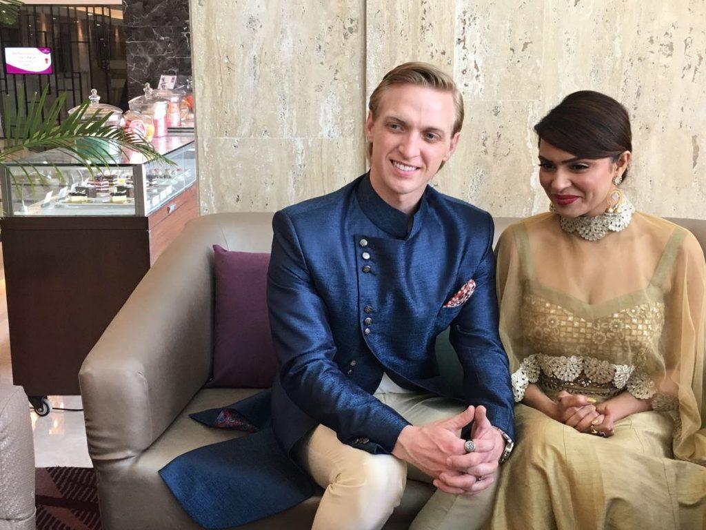 Aashka Goradia with Brent Globe