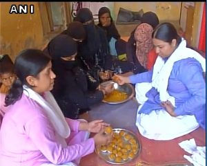 'Ladoos' being prepared in Varanasi ahead of the results (PIC ANI)