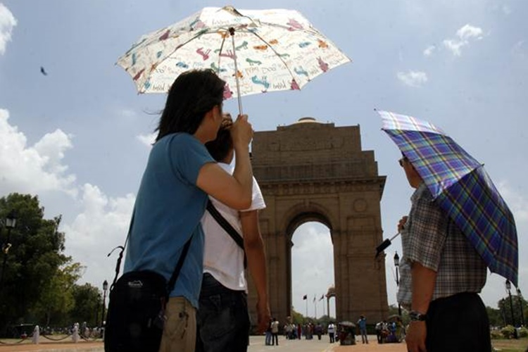 This time, March 23 was the hottest day in the past 7 years inDelhi