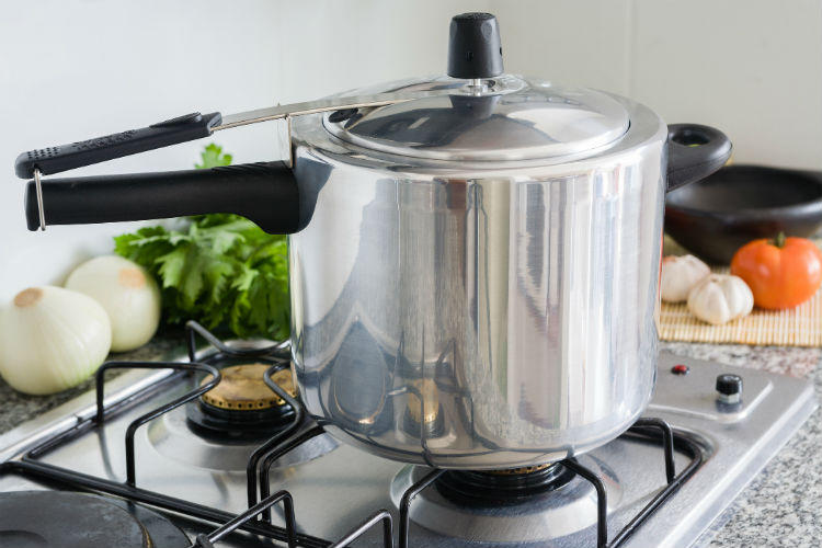 pressure-cooker-dreamstime-image-for-inuth