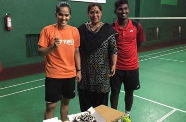 Saina Nehwal with her mother celebrating her 27th birthday at Karnataka Badminton Association in Bengaluru. [Source: Twitter]