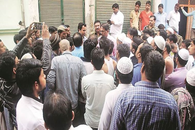 Lucknow meat sellers go on strike protesting crackdown