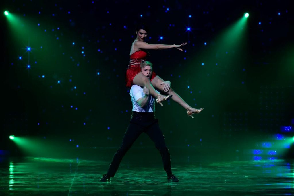 aashka-brent-perform-on-nach-baliye-season-8