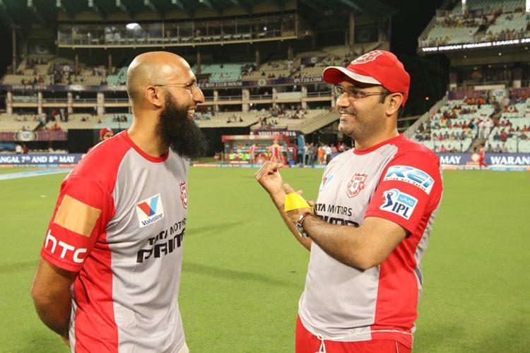 Hashim Amla scores first T20 century but Twitterati congratulates VirenderSehwag!