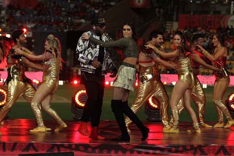 Benny Dayal performing at the opening ceremony during match 5 of Indian Premier League between the Royal Challengers Bangalore and the Delhi Daredevils (PIC @IPL Twitter)