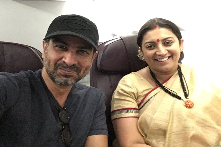 Read why this photo of Smriti Irani is going viral