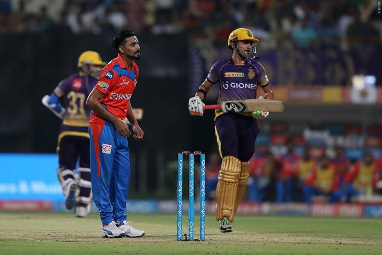 IPL 10 KKR v GL: Narine's early onsluaght helps Kolkata put 187 on board, Gujarat need 188 towin