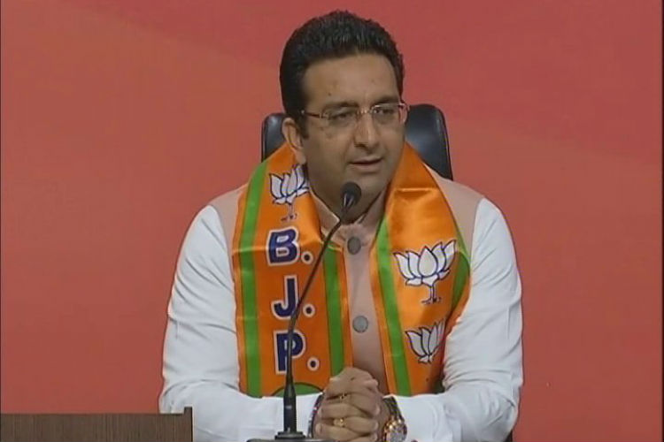 SP turncoat Gaurav Bhatia joins BJP. Here're 5 reasons why he's a man of double standards