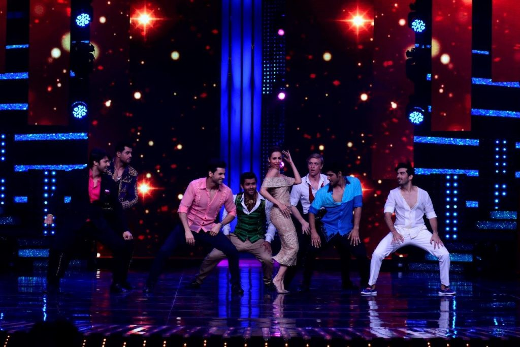 guest-judge-malaika-arora-making-an-entry-in-nach-baliye-season-8-with-all-the-boys-this-season-3