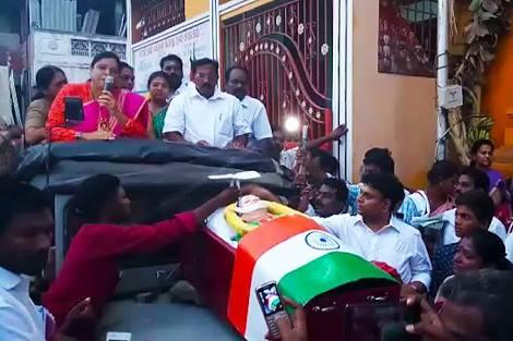 Watch: How Jayalalitha's fake dead body in a coffin was paraded around forvotes