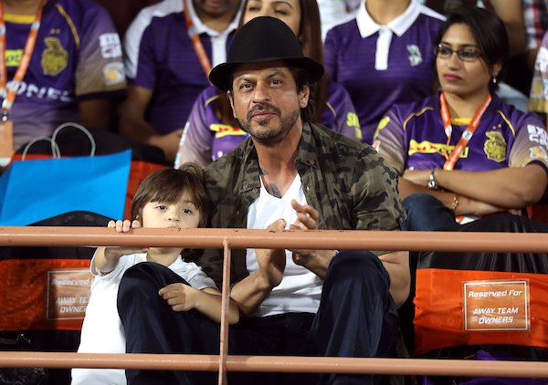 Superstar Shah Rukh Khan with his younger son AbRam during IPL match between KKR and GL (PIC @IPL)