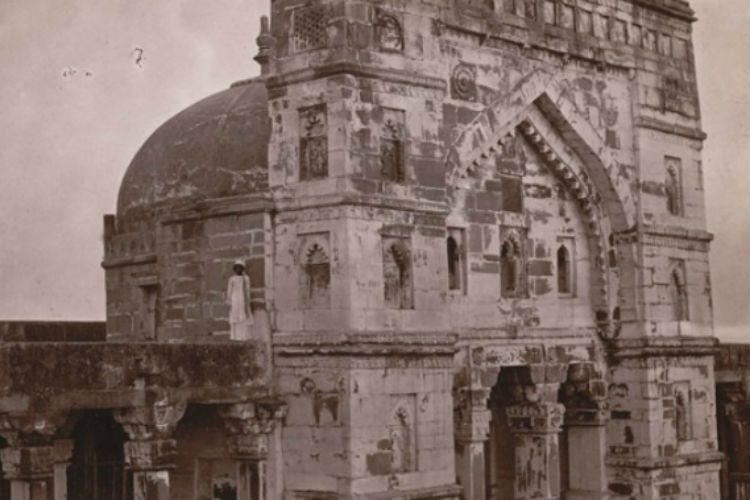 lal-darwaza-masjid