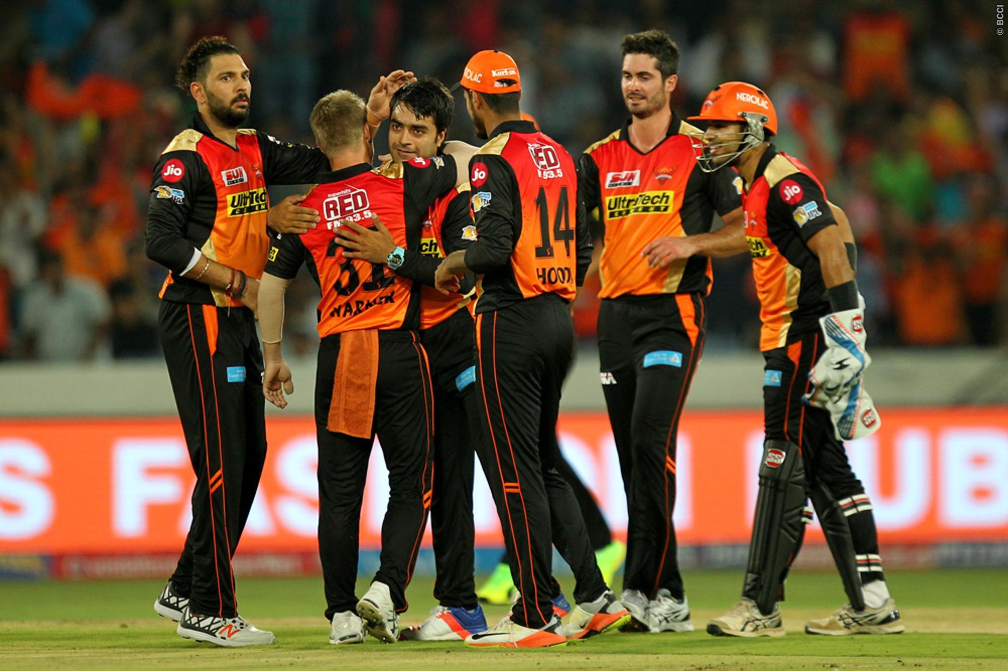 IPL 2017 SRH vs RCB: Yuvraj's fastest 50 helps Hyderabad ...