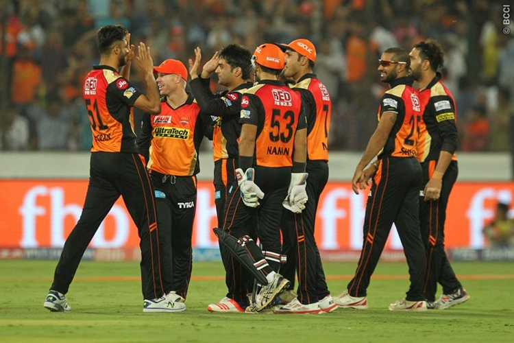 IPL 2017: Sunrisers Hyderabad win by 5 runs against Kings XI Punjab